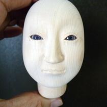 新たにお顔の作製:修理前